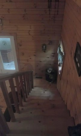 Comfort in the Woods Cabins: Stairs to the loft