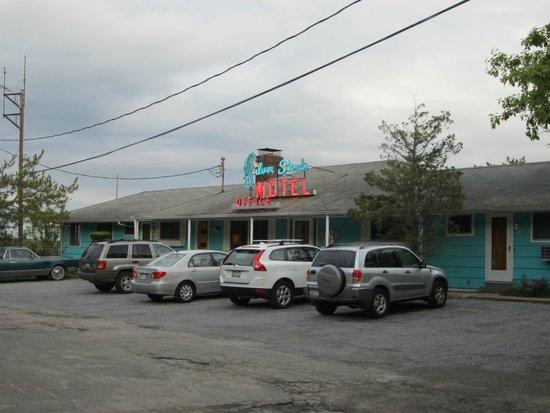 Silver Sands Motel & Beach Cottages : Silver Sands Motel