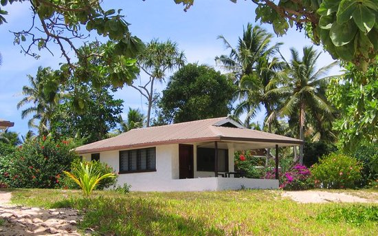 Sandy Beach Resort: Bungalow from beach