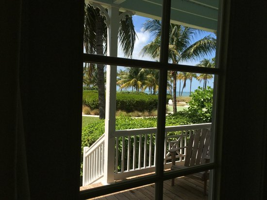 Tranquility Bay Beach House Resort: view from the porch door