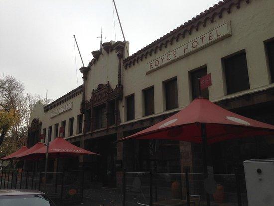 Royce Hotel: Exterior