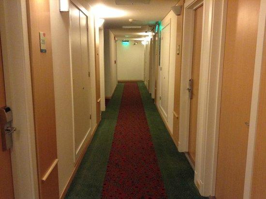 Hotel Ibis Buenos Aires Obelisco: Hotel Pasillo