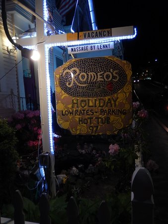 The Gaslamp Bed & Breakfast: Welcome to Romeos