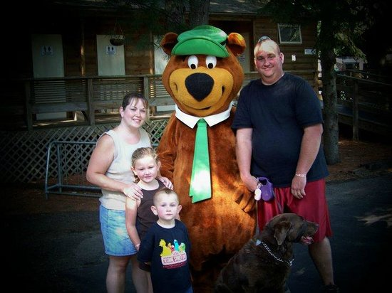 Yogi Bear's Jellystone Park Camp-Resort at Paradise Pines: The family is always smiling.