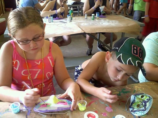 Yogi Bear's Jellystone Park Camp-Resort at Paradise Pines: Arts and crafts.