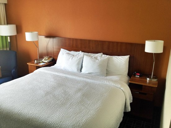 Fairfield Inn Corning Riverside: Comfy bed