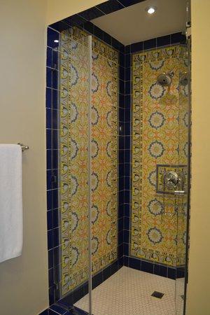 Las Clementinas Hotel: Shower