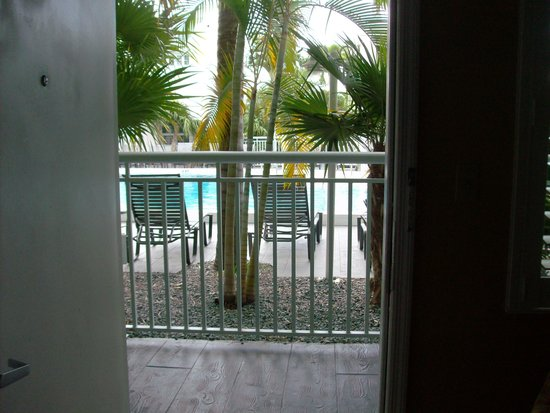 Best Western Hibiscus Motel : A pool view with privacy