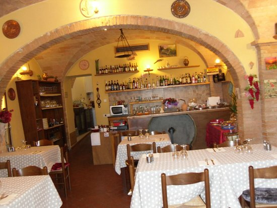 Taverna Del Fiorentino: interno della sala