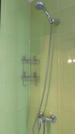 Hostal Besaya: Shower