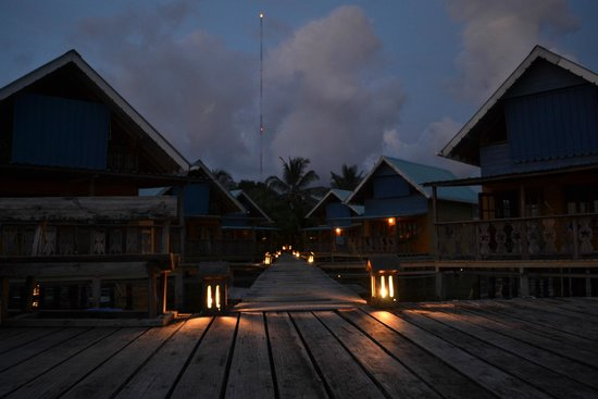Koko Resort: cabins at night