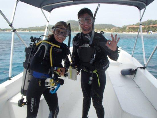 West Bay Divers : Preparando la inmersion