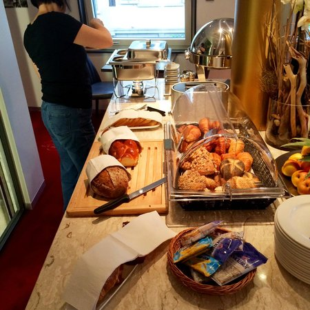 Hotel du Theatre by Fassbind : Breakfast buffet