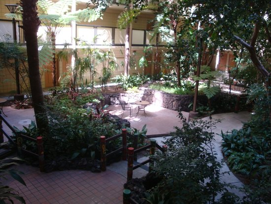 Crowne Plaza Hotel San Diego - Mission Valley : main courtyard