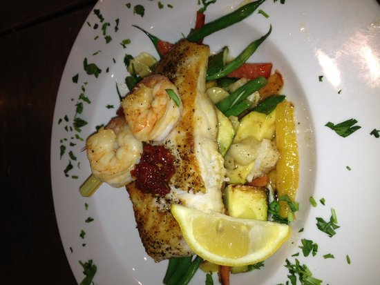 Bijou Bistro: Pan Seared Grouper with grilled shrimp