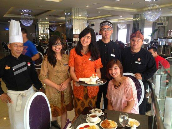 Gino Feruci Braga Hotel: Birthday Surprise from hotel staff!