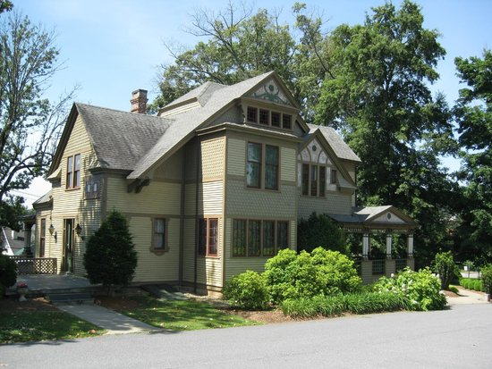 Harper House/ Hickory History Center: Rear elevation