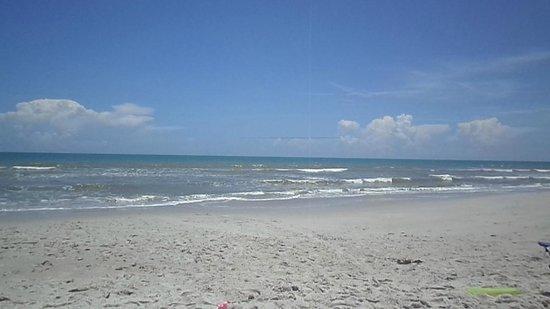 Paradise Beach Club: Beach