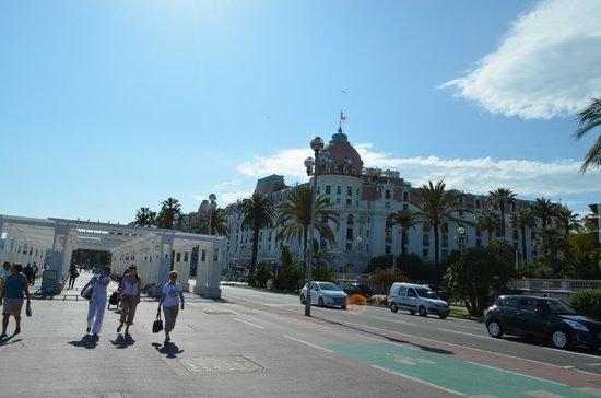 B4 Park Nice : hotel negresco a 5 cuadras