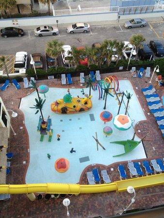 Sea Crest Oceanfront Resort : Kids pool