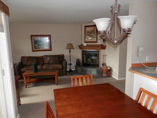 Meadow Lake Golf Resort : living area 1 bedroom