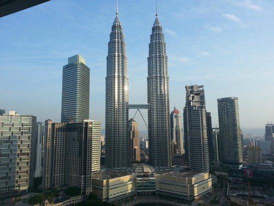 Traders Hotel, Kuala Lumpur : Morning View of Twin Towers
