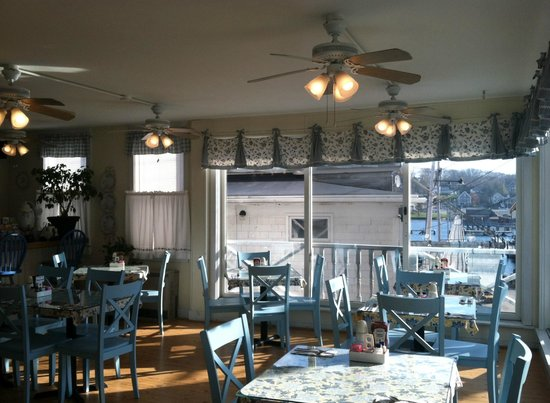 Bridge Street Cafe: Bright & Cheery Dining Room with Views of Harbor
