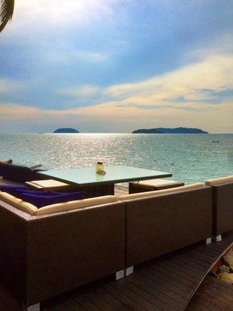 Sunset Bar at Shangri-La's Tanjung Aru Resort and Spa: Sunset Bar scenary