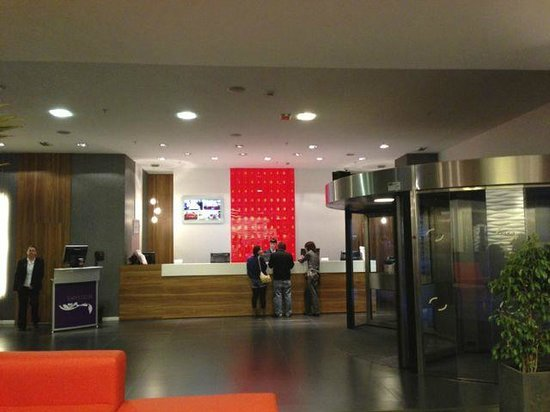 Expo Hotel Barcelona: フロント