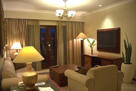 Sheraton Senggigi Beach Resort : Executive Suite / Living Area