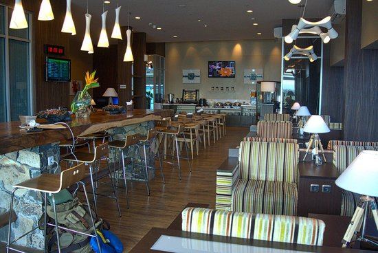 Sheraton Senggigi Beach Resort : Airport Lounge