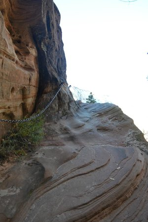 Hidden Canyon: The chains near the top.