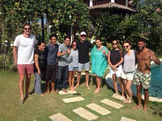 Hill Dance Bali, American Hotel: Nona's Bali staff with happy guest