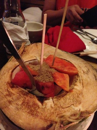 Kalui Restaurant: I also love their fresh fruit salad for dessert