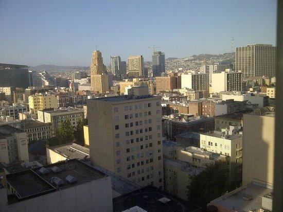 Serrano Hotel: Vista de la ciudad desde el piso 16