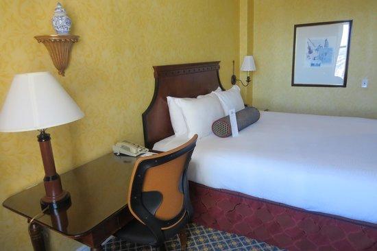 Serrano Hotel : Suite con cama extragrande