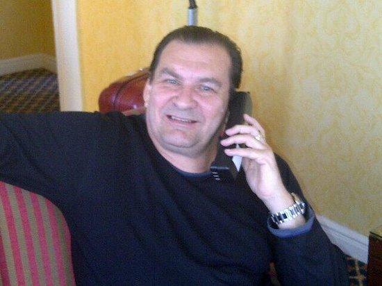Serrano Hotel : Telefoneando desde el escritorio