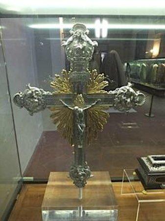 Church of Santa Maria Novella: Religious icons and artifacts