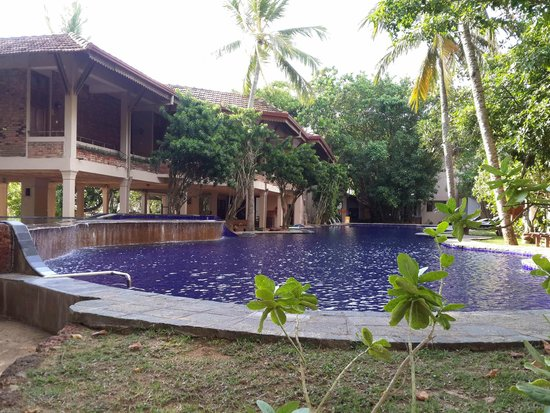Barberyn Reef Ayurveda Resort: Tropical Pool