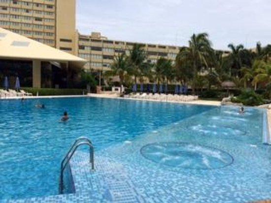 Presidente InterContinental Cancun Resort: Nice huge pool