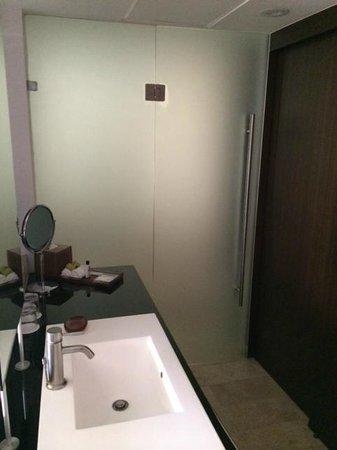 Presidente InterContinental Cancun Resort: Bathroom area