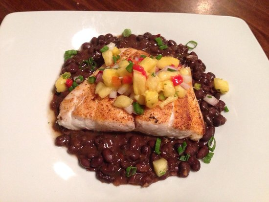 Goin' Coastal Sustainable Seafood Joint: Blackened snapper with pineapple relish and southwest Blackbeans!