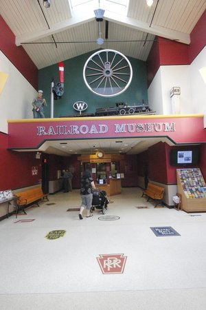 Railroad Museum of Pennsylvania : Main Lobby