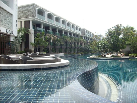 Phuket Graceland Resort & Spa: Top pool