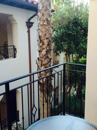 The Ritz-Carlton Bacara, Santa Barbara: Side view from first room balcony 'Ugh'