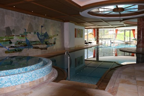 Granvara Relais & Spa Hotel: Hotel pool (indoor/outdoor and heated)