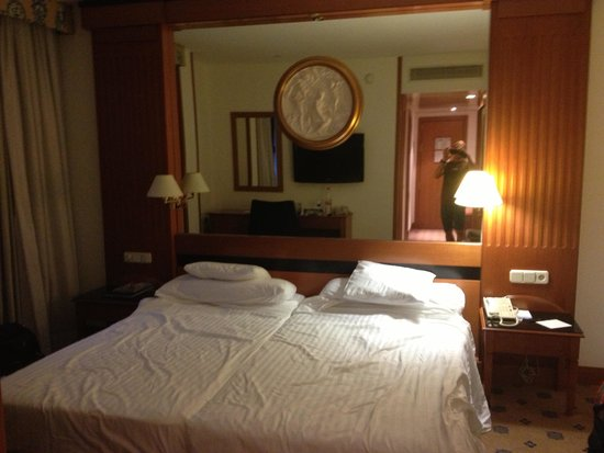 Melia Granada: a room on the 5th floor