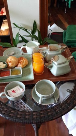 Layalina Hotel: Continental Breakfast spread in Bed