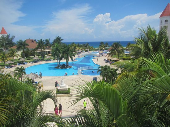 Grand Bahia Principe Jamaica: View of the pool