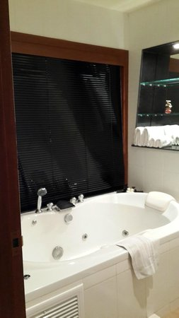 Layalina Hotel: Couple jacuzzi bath in Deluxe room